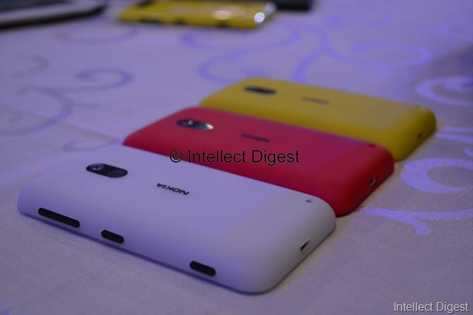 Lumia 620 colours