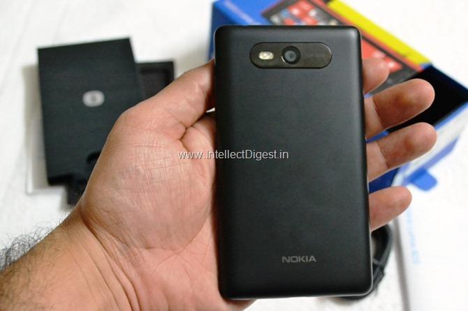 Nokia Lumia 820 Review (12)
