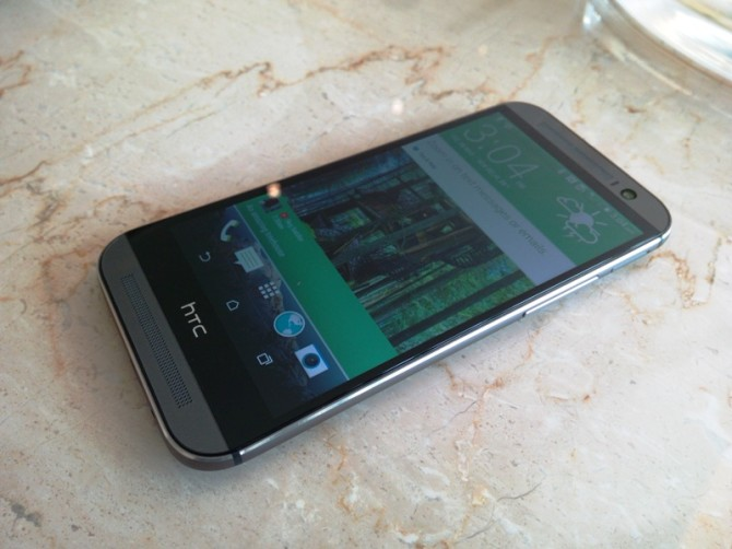 HTC One M8 First Impressions (2)