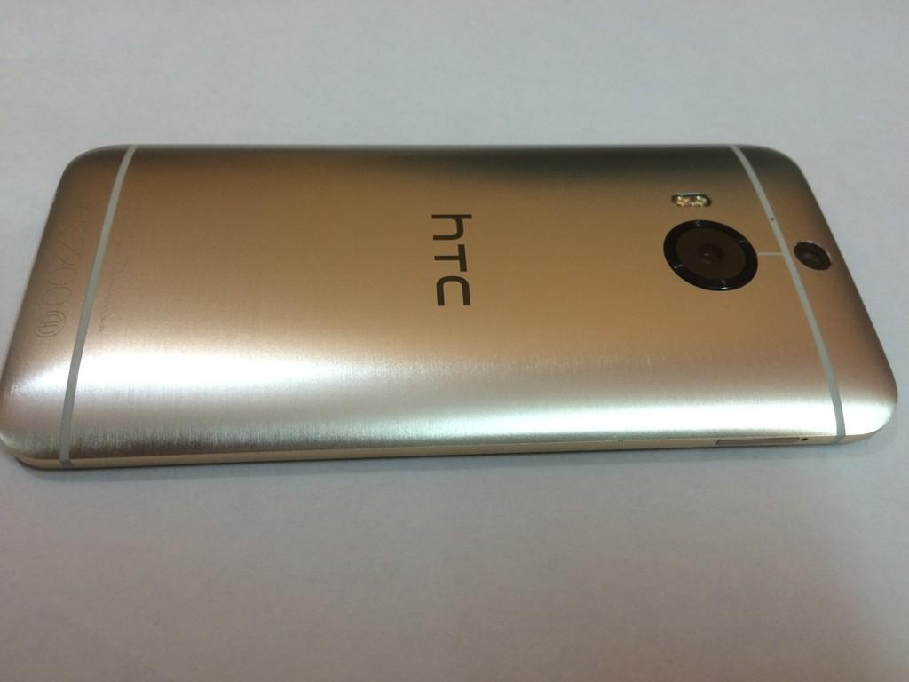 HTC One M9+ (9)