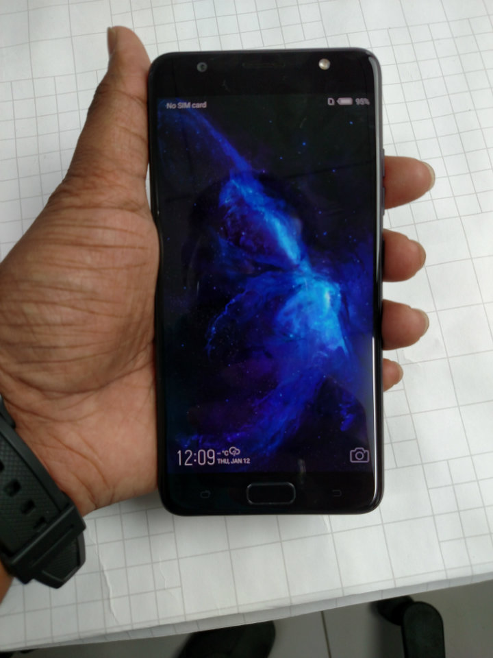 Tecno i7 First Impressions - Screen saver