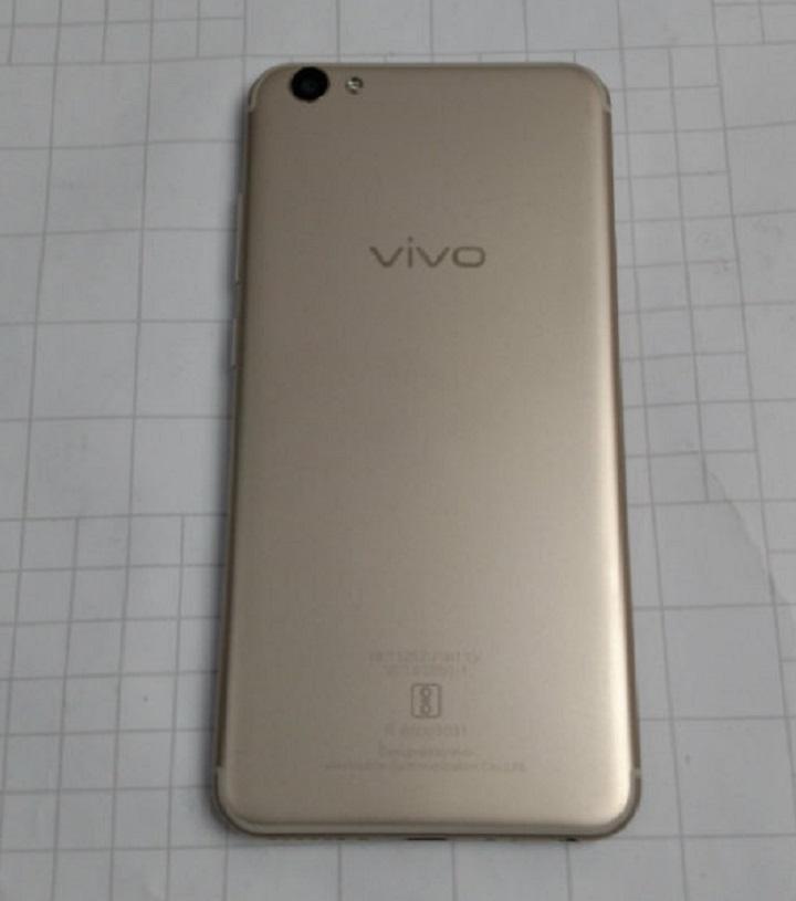 Vivo V5s back